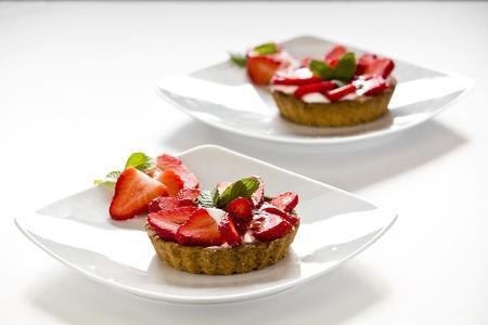קינוחים ומתוקים- פאי תותים